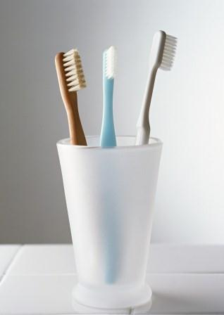 How to Enhance your Smile with Natural Toothpaste?