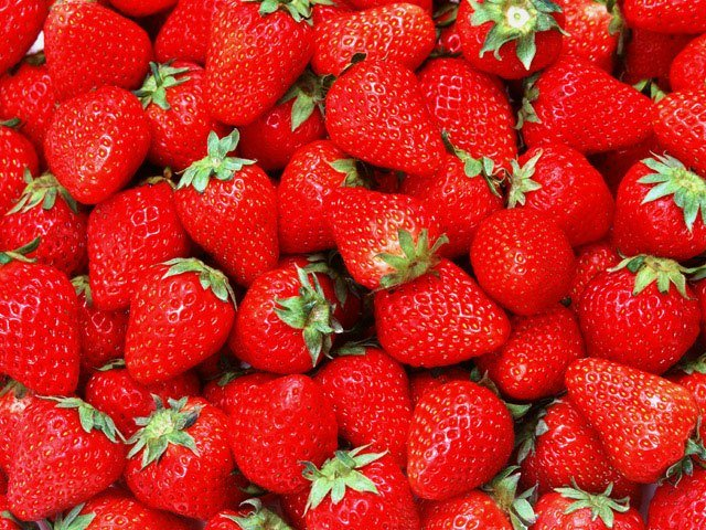 Inflammatory Bowel Disease Symptoms Reduced by Eating Strawberries